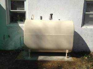 Above Ground 275 Or 330 Gallon Oil Tanks Painted Choice Of Color And Installed On A Cement Slabs Barrier Contracting